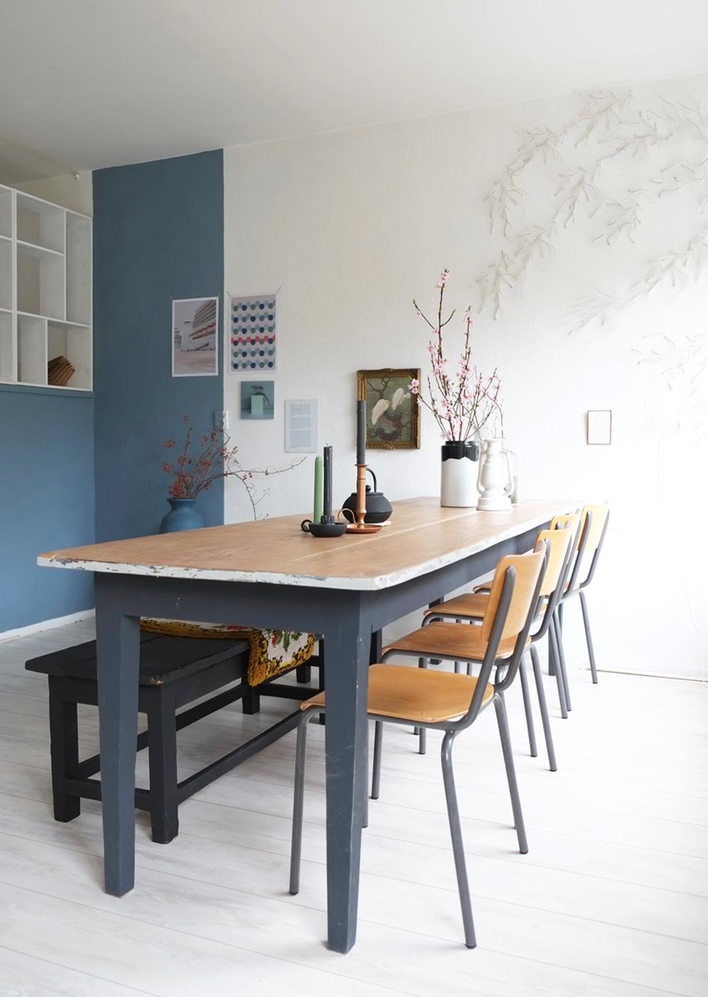3 x een andere stijl met tafel en eetkamerstoelen - Tafel een kribbe stijl industriel ...