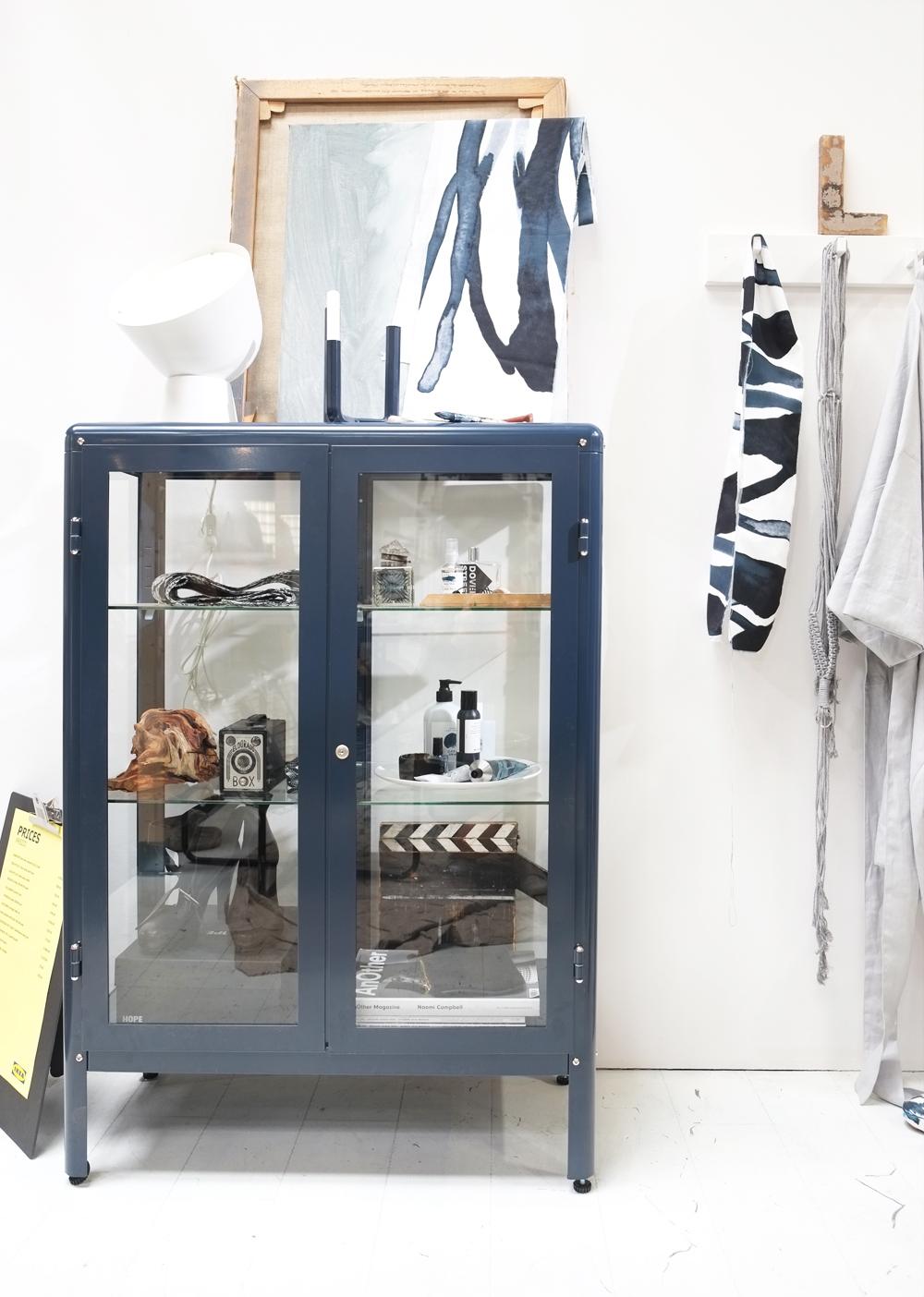 Pimpelwit_interieurontwerp_Ikea_de ideale werkplek-salonedelmobile2017_atelier_werkruimte_vitrinekast